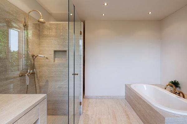 Egyedi-furdoszobat-keszitunk-kedvezo-zuhanykabin-arakkal