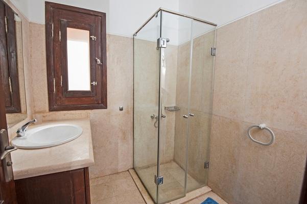 Fontos-az-egyediseg-Valassz-az-egyedi-zuhanykabinok-kozul