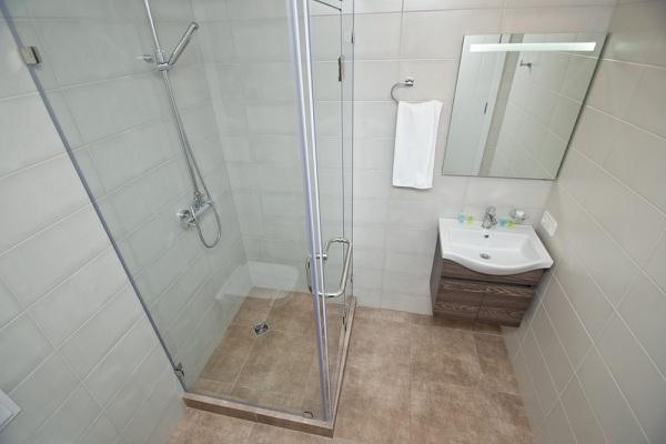 Miert-jarsz-jol-ha-az-egyedi-zuhanykabin-mellett-dontesz